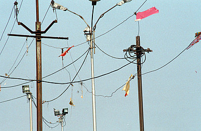 Elektromasten - p2120062 von Edith M. Balk