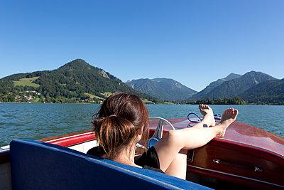 Bootsfahrt - p454m1179113 von Lubitz + Dorner
