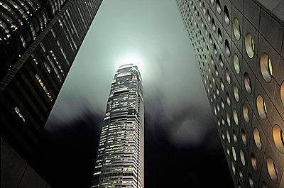 Hochhaus in Hongkong - p741m892691 von Christof Mattes