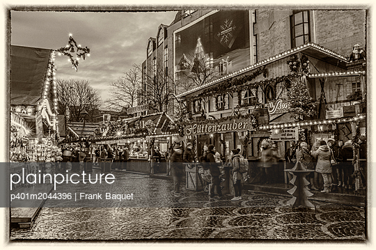 Bonner Weihnachtsmarkt - p401m2044396 von Frank Baquet
