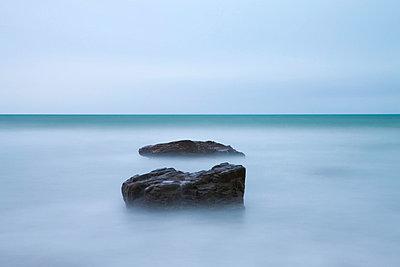Minimilist seascape at Duckpool in North Cornwall, England, United Kingdom, Europe - p871m711378 by Adam Burton