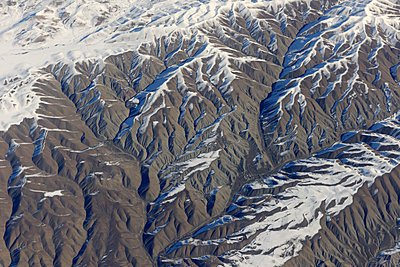 Zagros Mountains with snow - p1048m1107181 by Mark Wagner