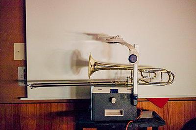 Posaunen-Projektor - p1085m854189 von David Carreno Hansen