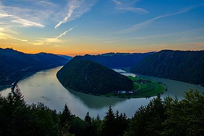 Blick von Aussichtsplattform Schlögener Blick auf die Schlögener Donauschlinge - p1463m2291998 von Wolfgang Simlinger
