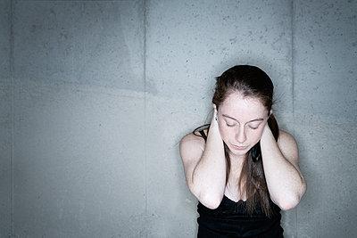 Portrait - p1335m1193723 by Daniel Cullen