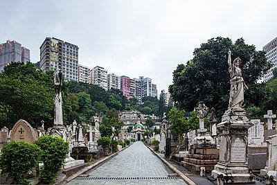 Aberdeen Cemetery - p1558m2132785 by Luca Casonato