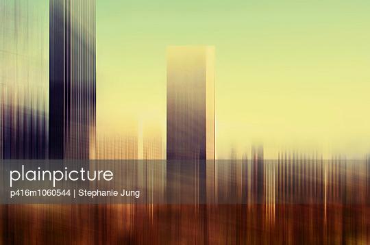 Wolkenkratzer Mehrfachbelichtung - p416m1060544 von Stephanie Jung