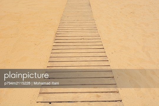 Wood footpath on the beach  - p794m2115228 by Mohamad Itani