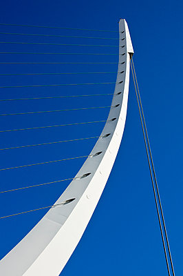 Katehaki Fußgängerbrücke, Athen, Griechenland - p1445m2157964 von Eugenia Kyriakopoulou