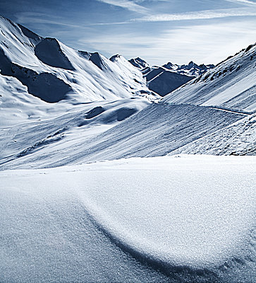 Austria, Tyrol, Ischgl, winter landscape in the mountains - p300m1069077f by Bela Raba