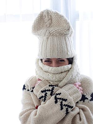 Young woman dressed warm - p5840730 by ballyscanlon