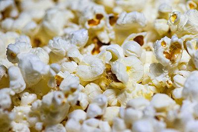 Popcorn - p1418m1572408 by Jan Håkan Dahlström