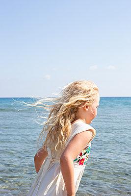 Am Meer entlang - p454m2142217 von Lubitz + Dorner