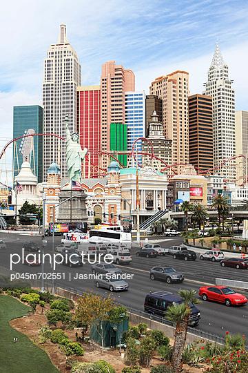 USA; Las Vegas - p045m702551 by Jasmin Sander