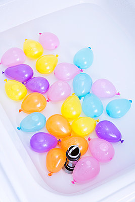 Water balloons - p1149m2004952 by Yvonne Röder
