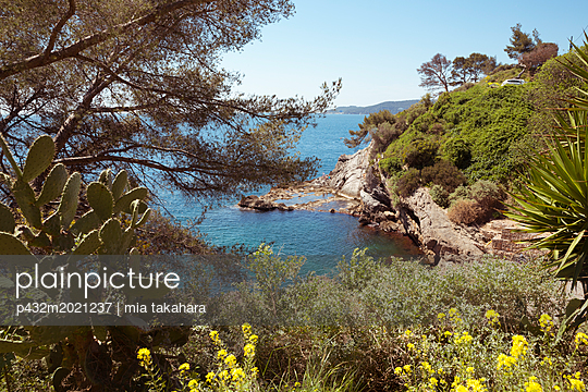 Blick aufs Meer in Toulon - p432m2021237 von mia takahara
