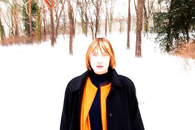 Woman in snow - p258m1200793 von Katarzyna Sonnewend