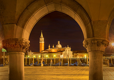 View of the Island of San Giorgio Maggiore at night, Venice, Veneto, Italy - p429m954520f by Lost Horizon Images
