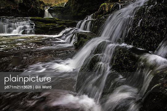 Sgwd Isaf Clun-Gwyn waterfall, Pontneddfechan, Powys, Wales, United Kingdom - p871m2113628 by Bill Ward