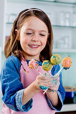 Cake Pops - p814m968034 von Renate Forster