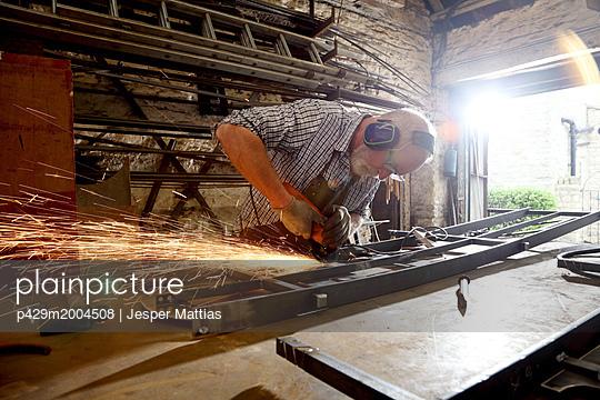p429m2004508 von Jesper Mattias