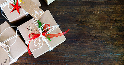 Chrsitmas , Happy New Year and Birthday giftset. - p1166m2147290 by Cavan Images