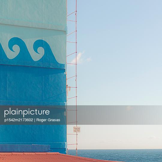 Hauswand an der Küste mit maritimen Motiven, Beirut, Libanon - p1542m2173602 von Roger Grasas