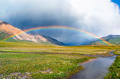 Rainbow over Naryn Gorge, Naryn Region, Kyrgyzstan, Central Asia, Asia - p871m2003480 by G&M Therin-Weise