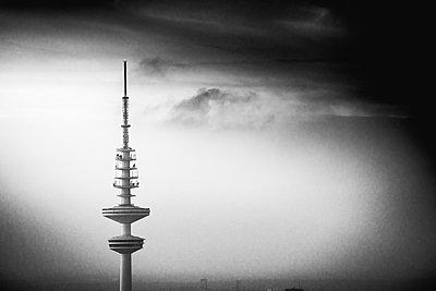 Blick auf Fernsehturm, Hamburg - p1493m1584560 von Alexander Mertsch