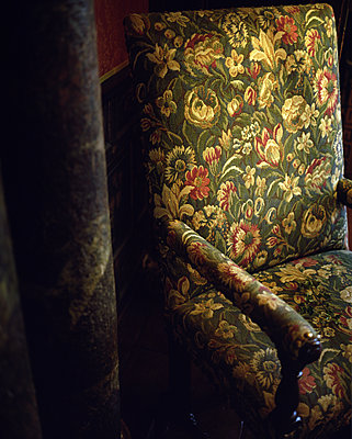 Old armchair - p945m2027603 by aurelia frey