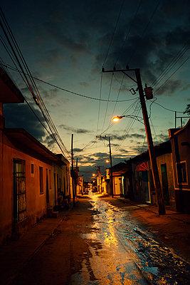 Gasse in Trinidad - p1515m2053464 von Daniel K.B. Schmidt