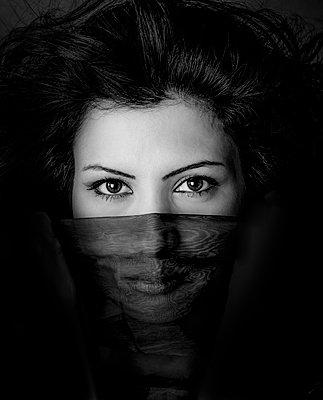 Woman - p1508m2045137 by Mona Alikhah