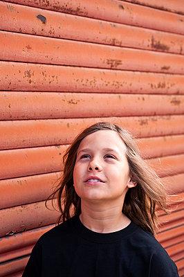 Junge mit langen Haaren - p2200818 von Kai Jabs