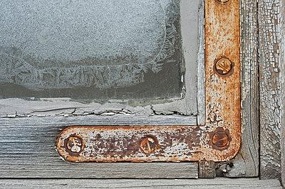 Clambering - p1003m767585 by Terje Rakke