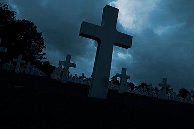 Amerikanischer Soldatenfriedhof am Omaha Beach - p415m822864 von Tanja Luther