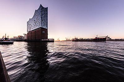 Hamburg Elbphilharmonie - p710m2065159 von JH