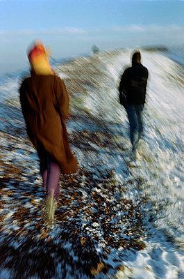 Walking on the edge of Puy de Pariou volcano, Auvergne, France - p1028m2053754 by Jean Marmeisse