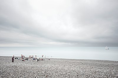 Schwimmen im Winter - p1137m1201426 von Yann Grancher