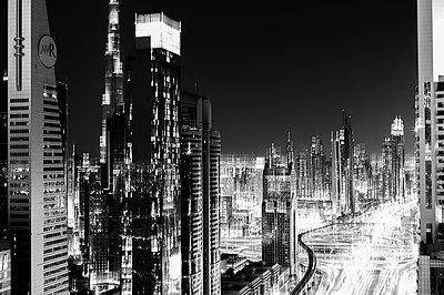 Dubai - p1171m994003 by SimonPuschmann