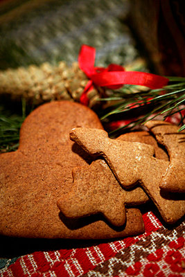 Ginger bread close-up. - p31221644f by Per Eriksson