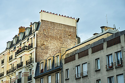 Block of flats in Paris - p1312m2164039 by Axel Killian