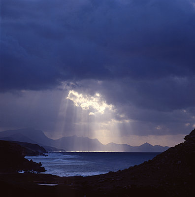 Wolkenstimmung auf Fuerteventura - p1258m1146216 von Peter Hamel
