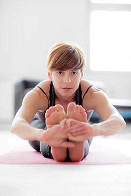 Yogapose - p1212m1123337 von harry + lidy