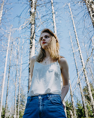 Young woman in the forest - p1184m1424561 by brabanski