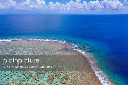 Polynesien, Tetiaroa, Blaues Lagunenriff - p1487m2245022 von Ludovic Mornand