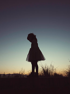 Silhouette girl with dress - p1522m2151172 by Almag