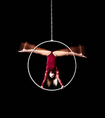 Showproject Artisten - p743m1194791 von Stefan Freund