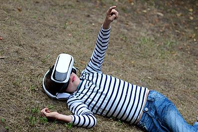 VR-Brille - p879m1184916 von nico