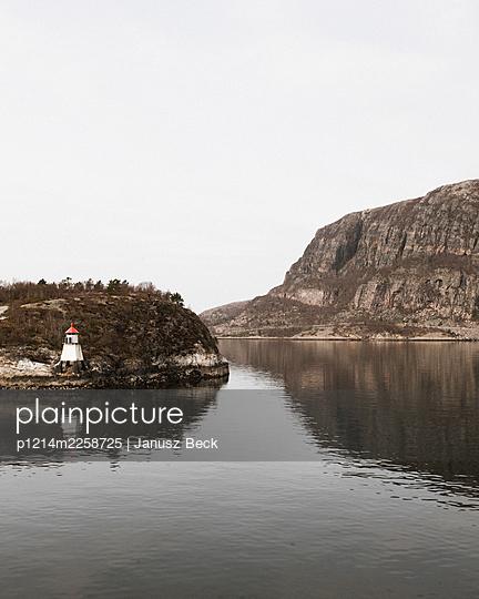 archipelago - p1214m2258725 by Janusz Beck