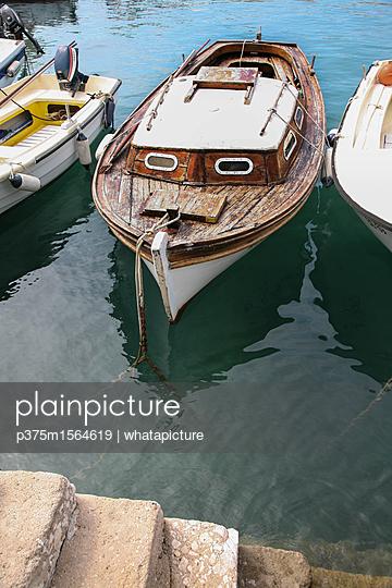Boot im Hafen - p375m1564619 von whatapicture